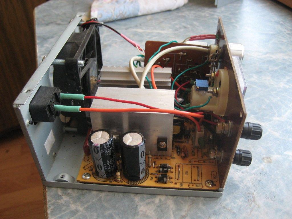 Как сделать блок питания из зарядного устройства ноутбука 928