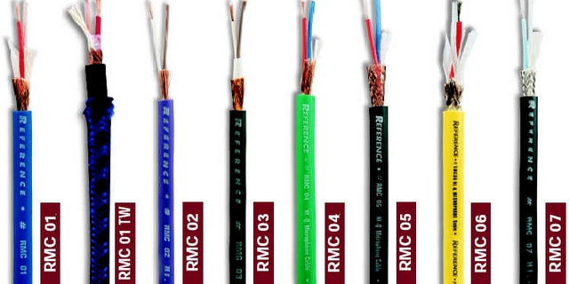 Способ распайки кабеля показан