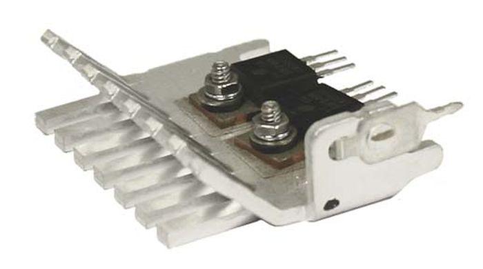 Транзисторы на радиаторе